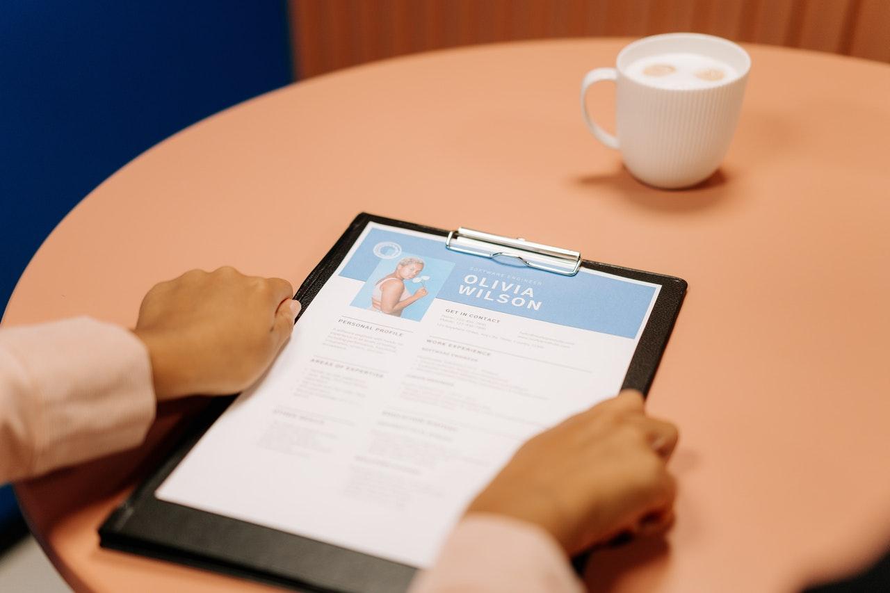 Offre d'emploi  : Manager Senior en Relations Publics au cabinet TEA AND KOFFEE basé au Maroc